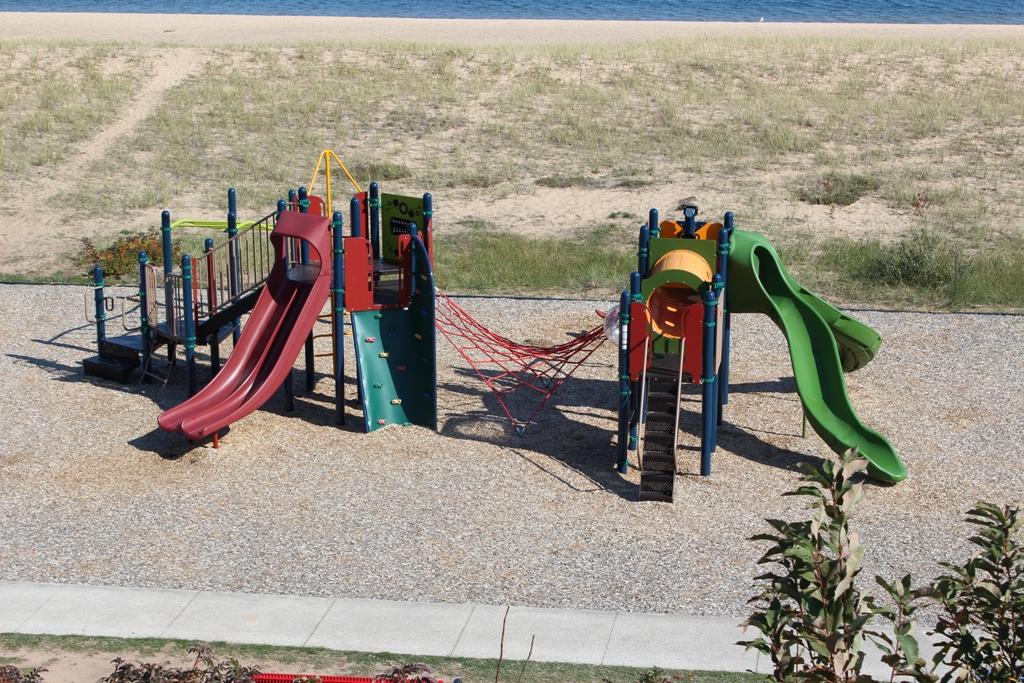Bayshore-Park-Playground