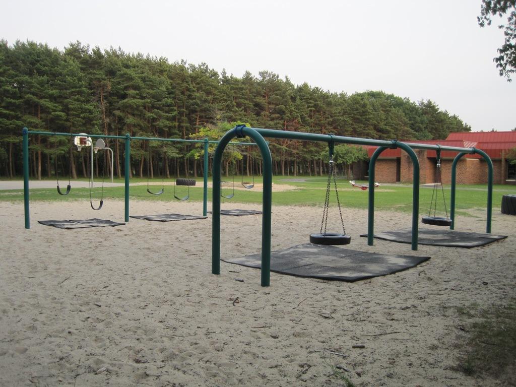 Charlevoix-Swings