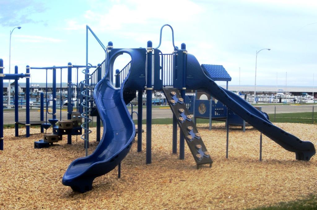 play-slide-swing