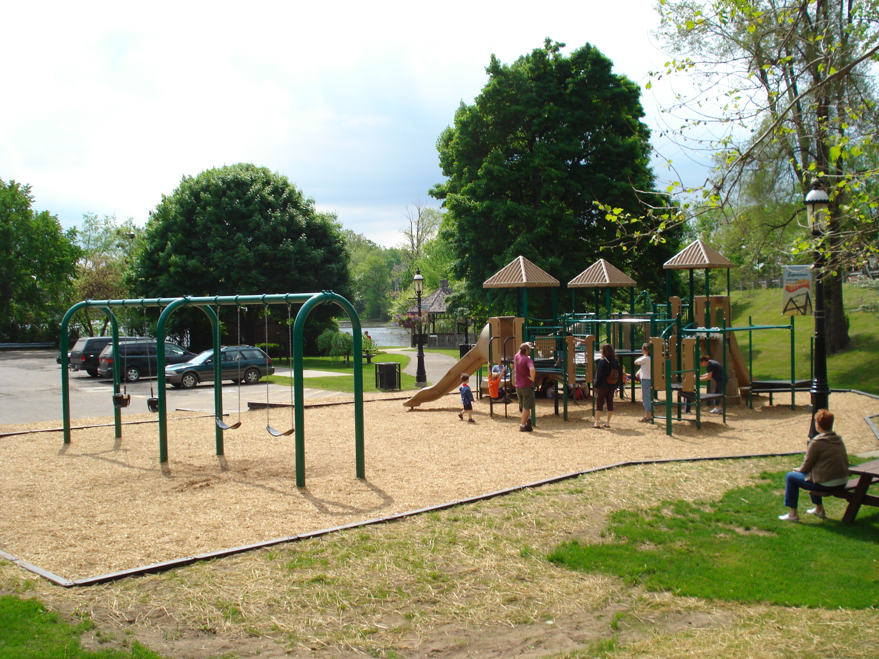 Michigan-Playground-SuperiorPlayMI
