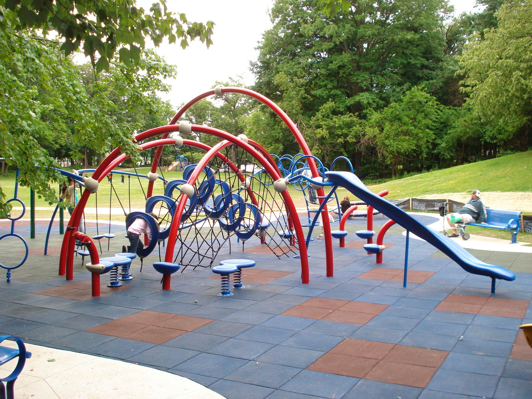 Penchura-playground-tiles