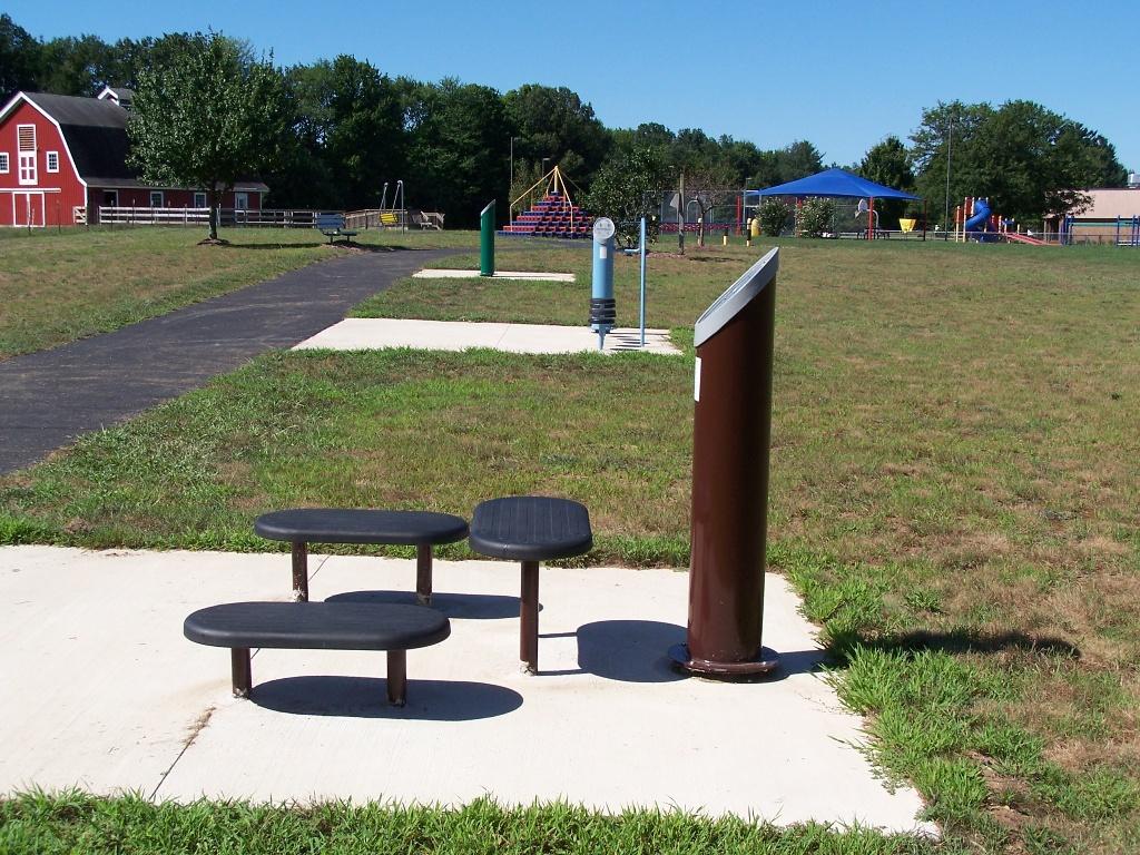 Outdoor-fitness-equipment