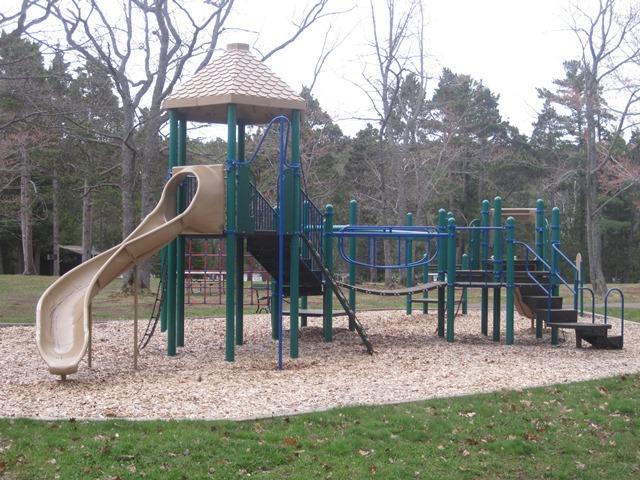 Fort-Wilkins-playground-mi