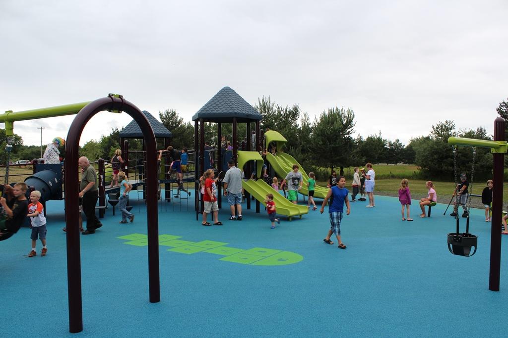 besse-park-grand-opening-playground
