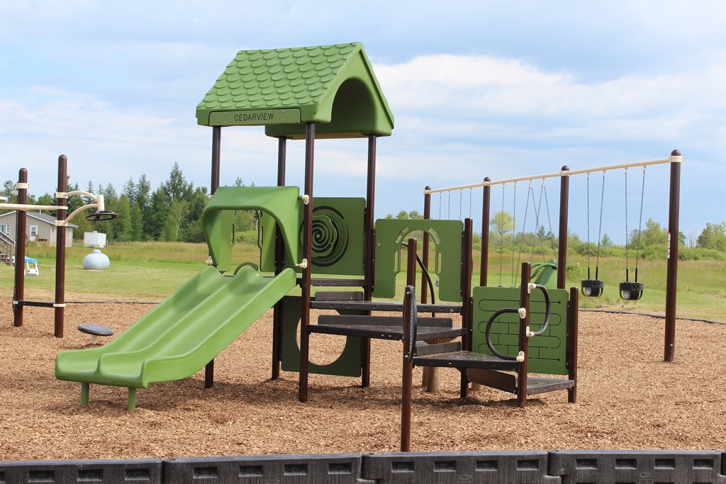 Hannahville-Sonny-Rose-Park-slides