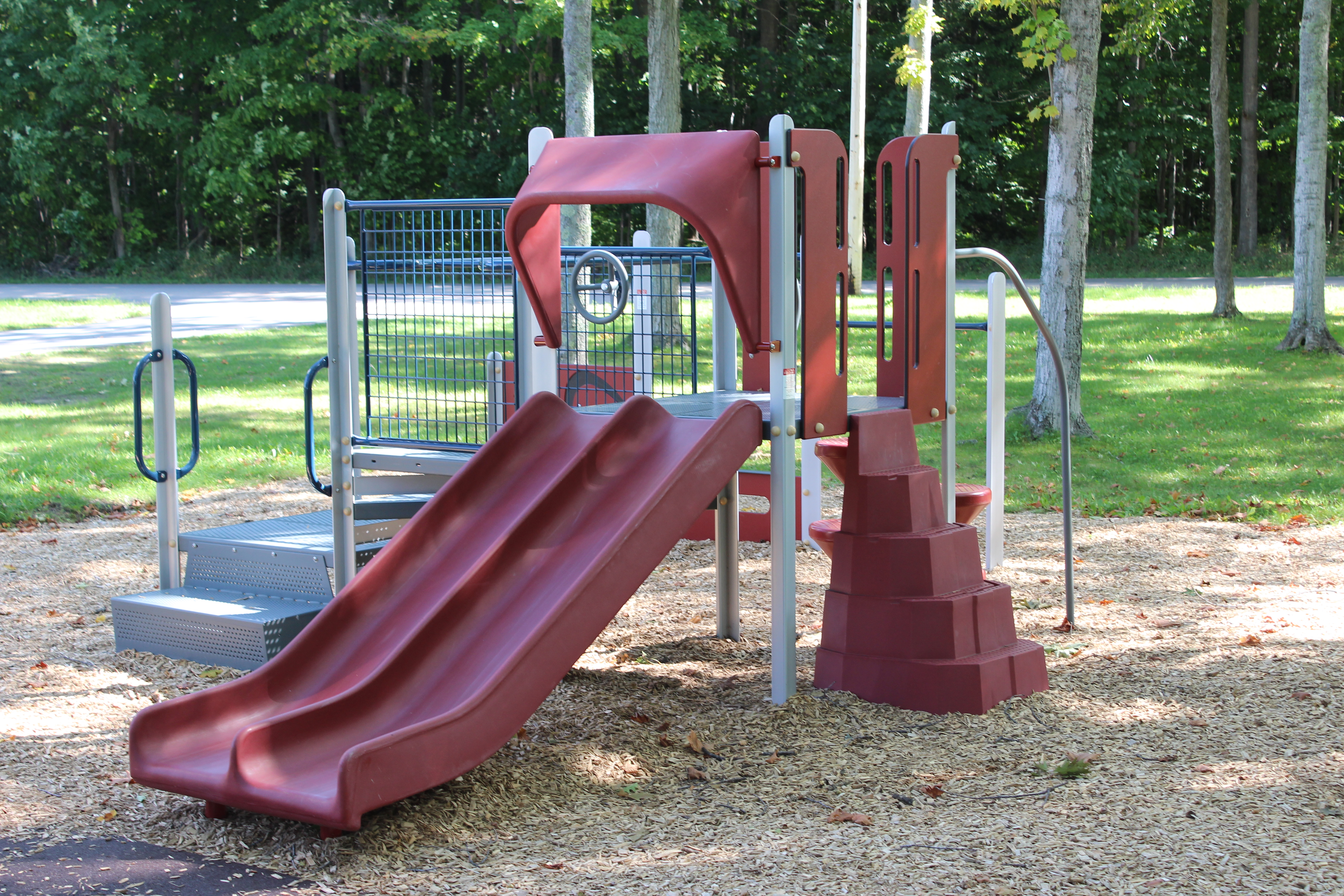 kiwanis-park-slide-harbor-springs-mulch