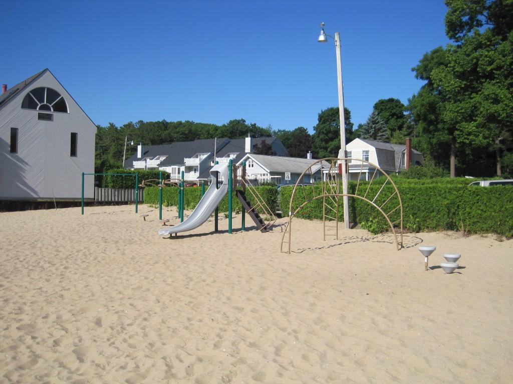 Zorn Beach Harbor Springs 001