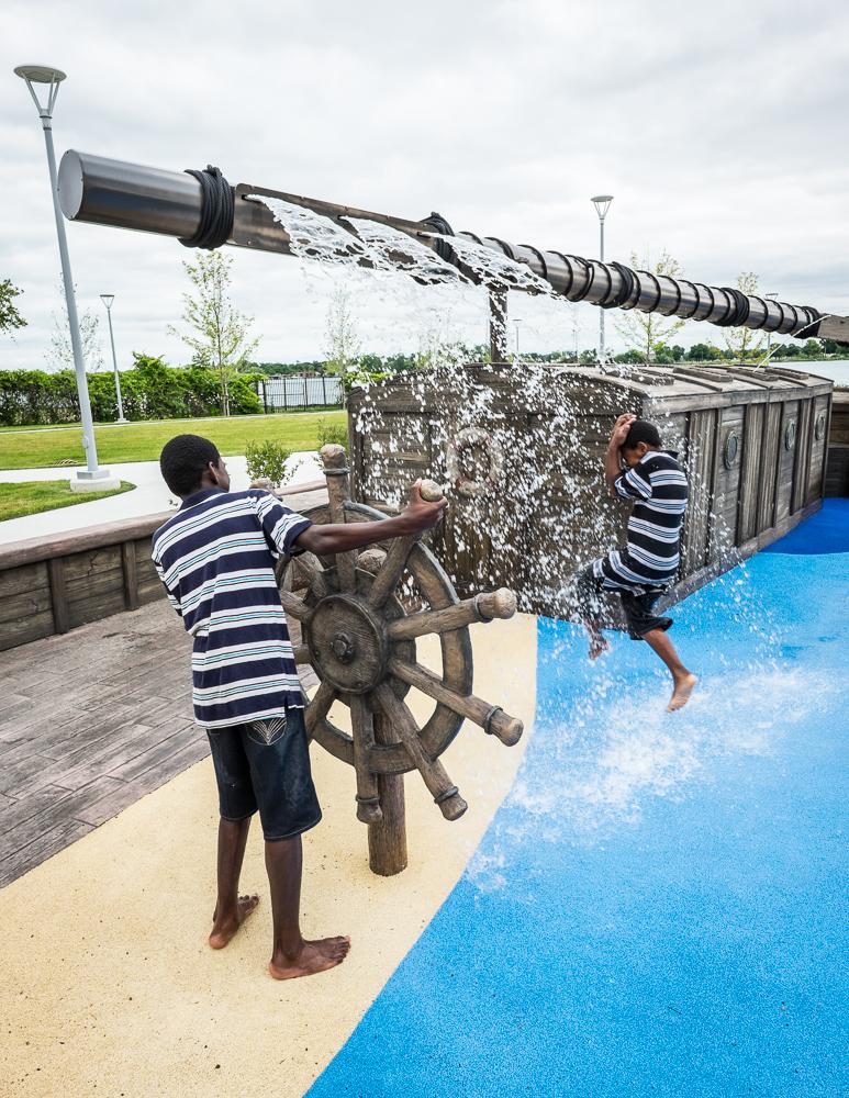 Mt-elliott-shelter-detroit-splash-pad-kids