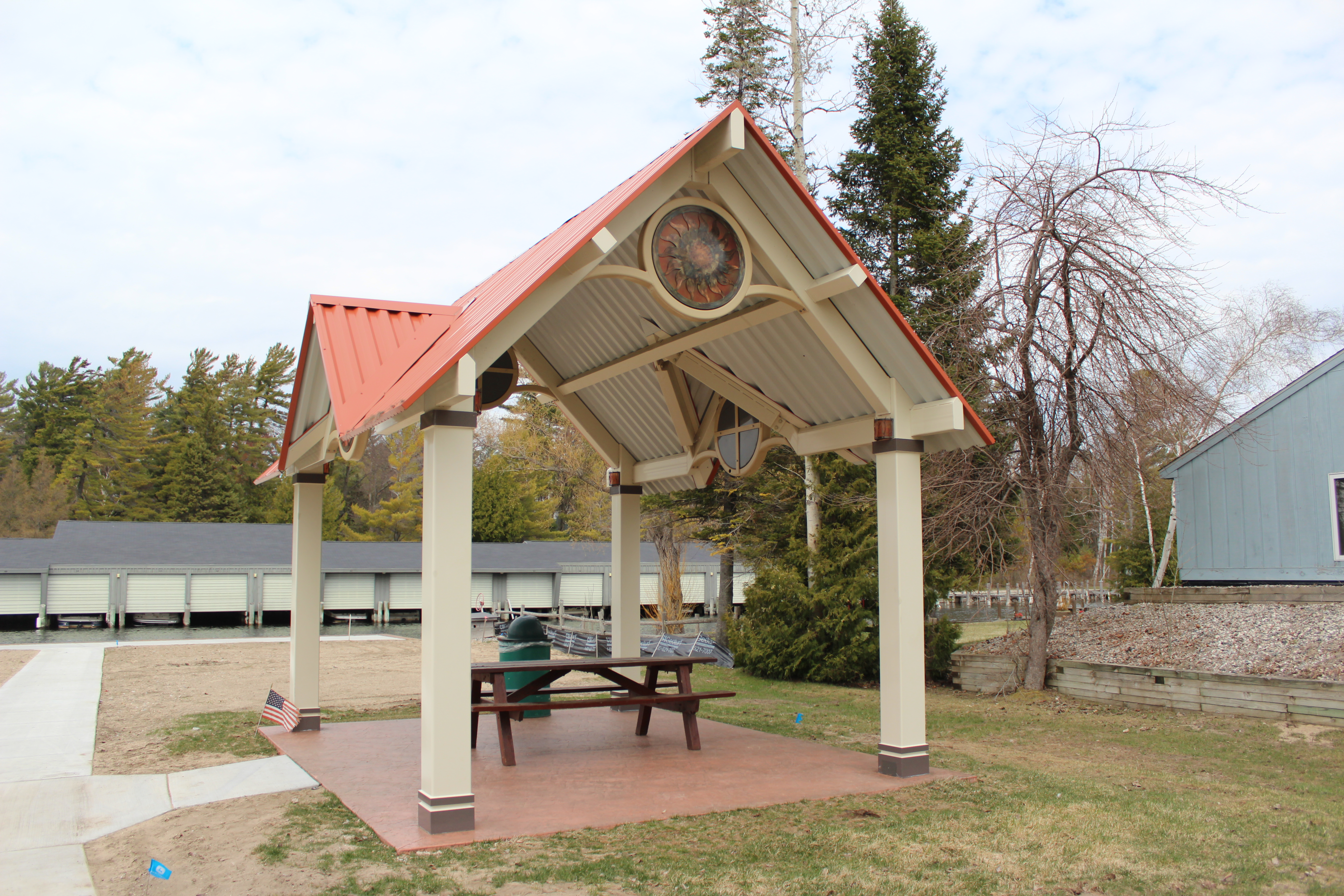 Tuscaroroa-county-parks-michigan-shelter