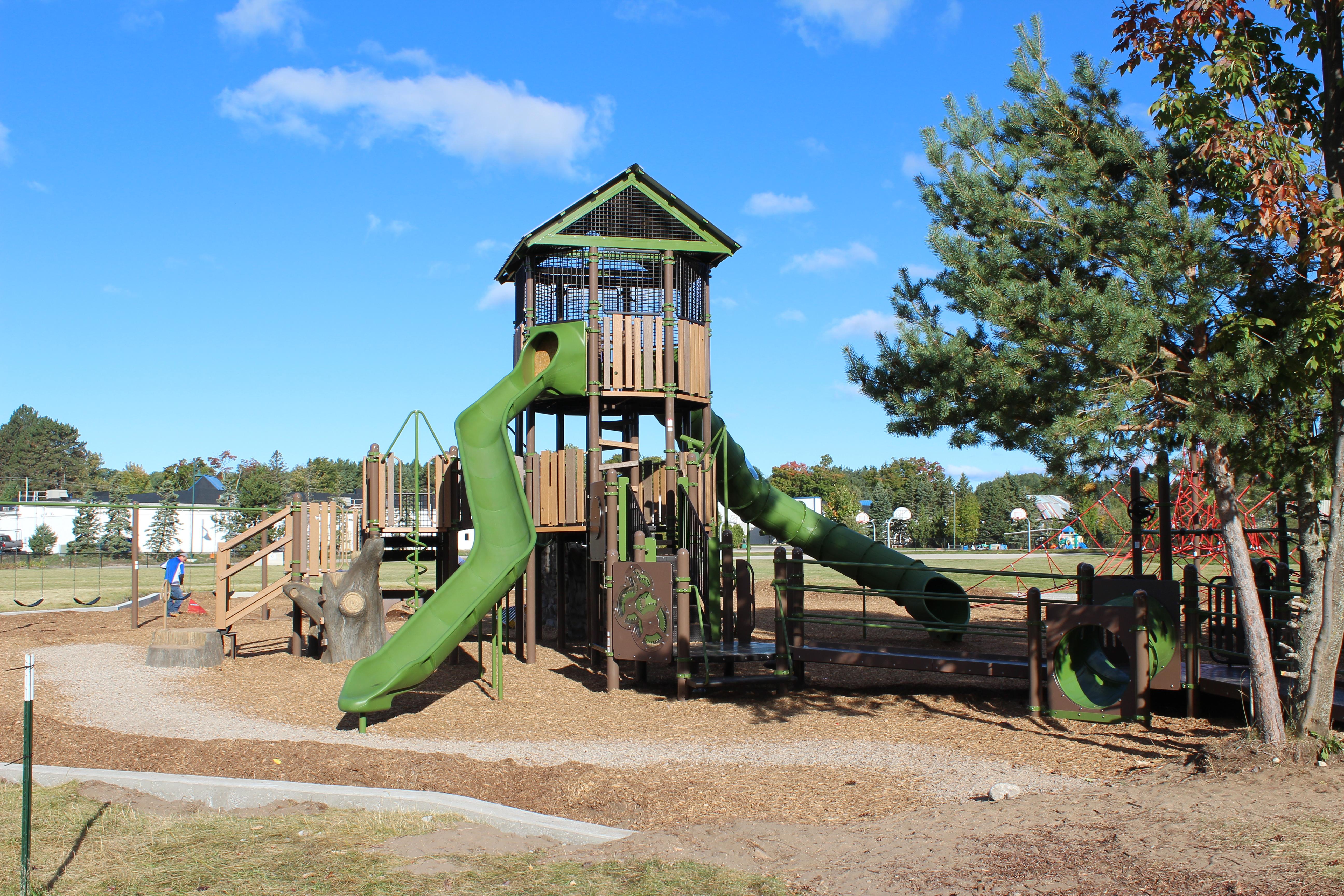 shay-elementary-michigan-nature-slide