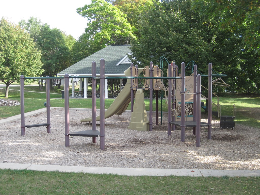 Charlevoix-Beach-Playstructure