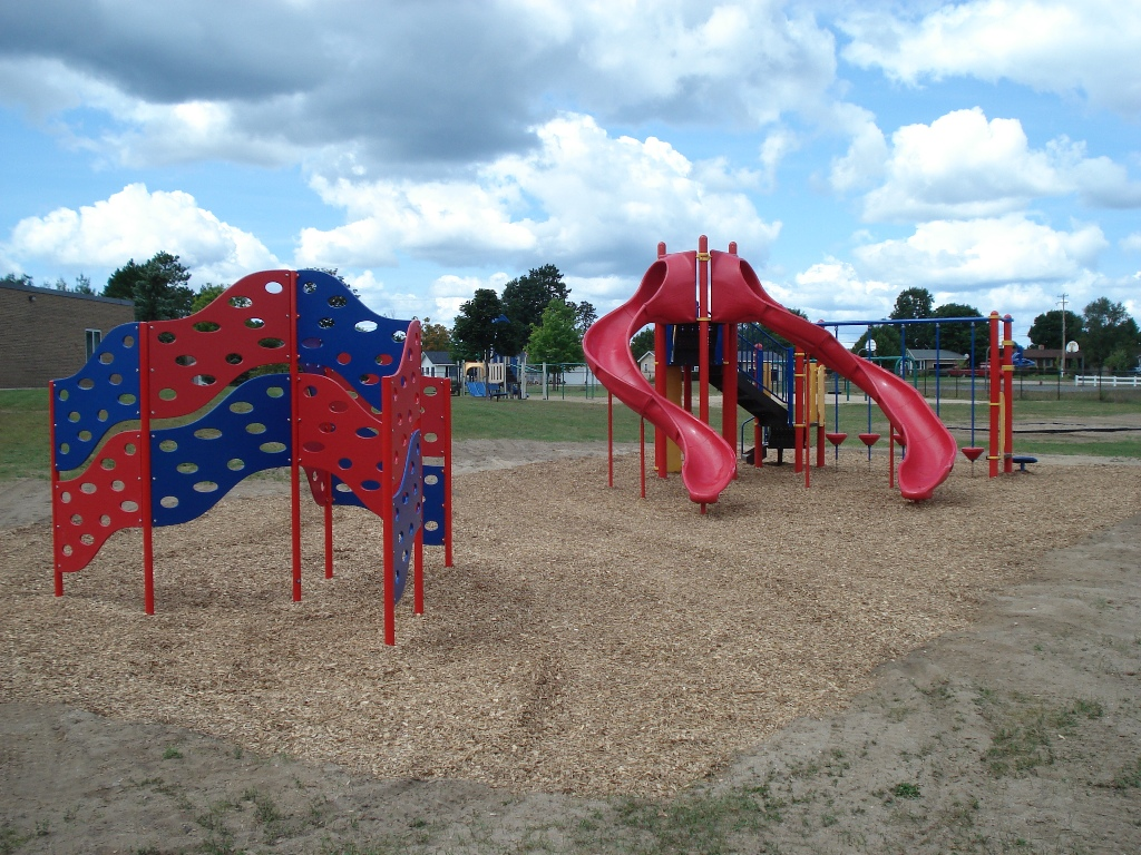 Play-structure-climber